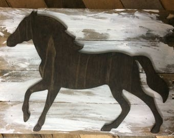 Horse wall art. Reclaimed wood. Rustic wooden sign. Pallet wood. Equestrian wall art.