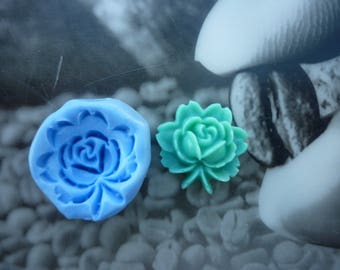Mold 17mm water lily flower