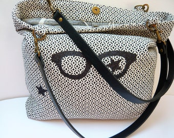 Black and white patterned glasses tote bag