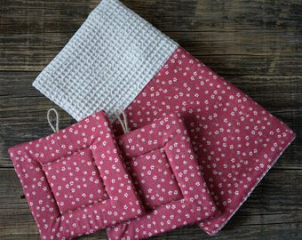 "Kitchen towel Set and ""Cecily"" country style pot holders"
