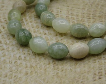 10 beads in jade green genuine 10mm oval