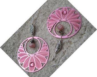 """""""The lucky knot"""" pink metal hoop earrings"""