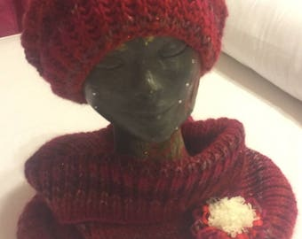 Red Hat and snood set with flower
