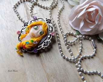 Necklace Came Portrait Princess Rapunzel
