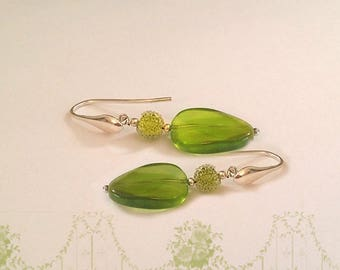 Peridot 925 sterling silver Pebble earrings Pearl Crystal and chain
