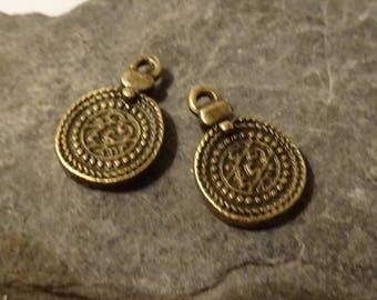 2 round beads bronze spirit ethnic embossed 18x12mm