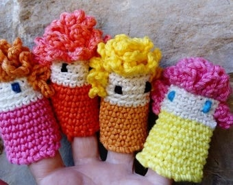 Tiny puppets for kid's fingers