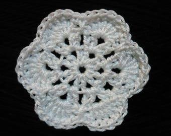crochet flower, white cotton, diameter 4.5 cm