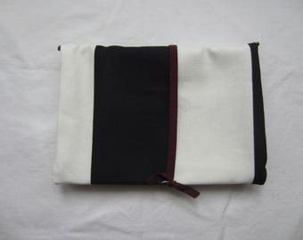 Tobacco Pouch Black and white/flower