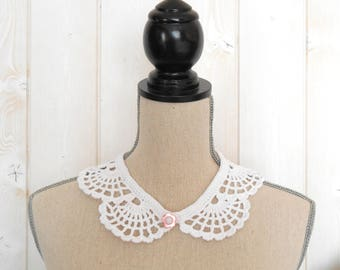 White Peter Pan collar crochet