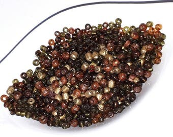 10 grams of beads in different sizes