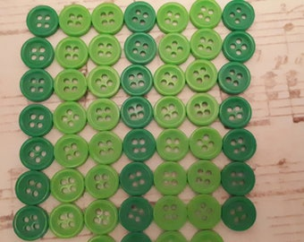 set of 50 round buttons 4 hole derade Green 2 tone 9 mm scrapbooking