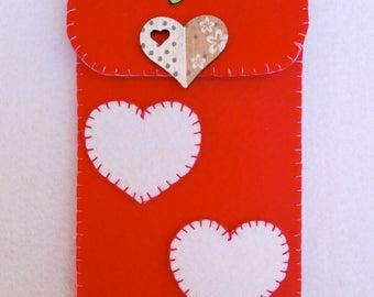 felt phone case with heart cell phone holder in felt whit heart