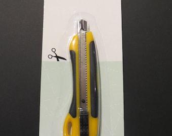 Cutter for cutting paper, cardboard, size 13.5 cm