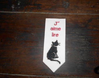 Personalized embroidered bookmark - I love to read