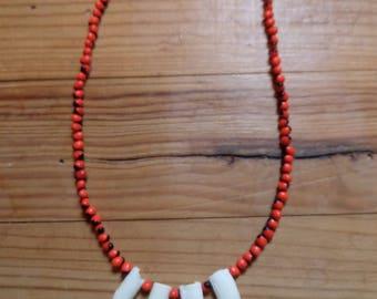 Necklace seed Huayruro + crocodile tooth - Amazon