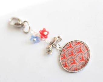 Keychain grigri CABOCHON bow charm and pearls lucites red and blue flowers