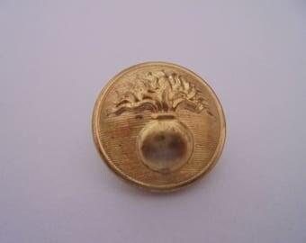 Vintage gold tone 25 mm round button