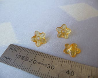 Set of 3 small yellow flowers