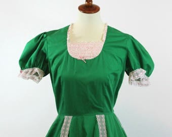 Square Dance Dress / Vintage Outfit Solid Green White Lace Trim | Zip Back | Partial Elastic Waist Short Puff Sleeves | Full Circle Skirt