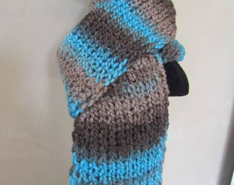 Man or woman in blue and Brown scarf
