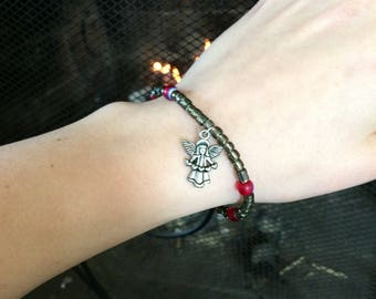 Angel charm stretch bracelet