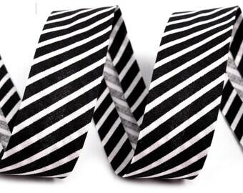 1 m black bias stripe