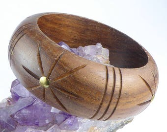 Vintage carved wooden bangle bracelet