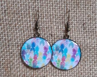 Dangling earrings, resin pineapple motif trays