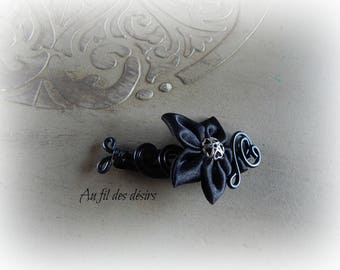 clip in Black Aluminum wire and black satin flower clip