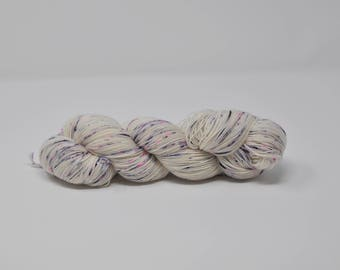 Rock and Castle - Platinum Sock - 75/25 Superwash Merino/Nylon - 100g skein of hand dyed 4ply speckled fingering weight sock yarn