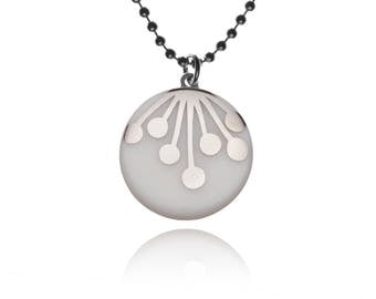 Necklace Umbel silver on white