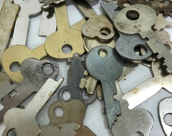 Vintage Flat Keys - Set of 50