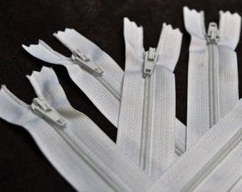 20 zippers visible nylon 12cm white
