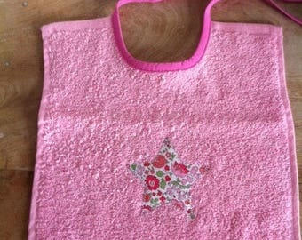 Pink rectangular bib Terry with applied pink Anjo liberty star