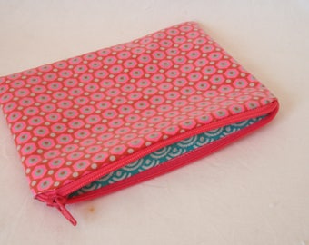 Small flat clutch in coated fabric fully lined