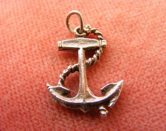 F) Vintage Sterling Silver Charm Lucky ships anchor