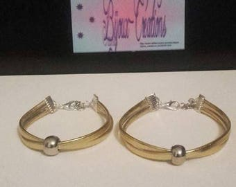 Duo of mother-daughter bracelets