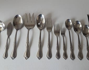 52 Pc International Silver Southern Splendor Stainless Flatware