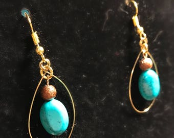 Turqouise teardrop earrings // Southwestern earrings // hand-formed wire looped turquoise earrings (Wendy)