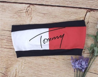 Reworked Tommy Hilfiger Spell Out Aaliyah Bandeau Crop Top, Vintage Destinys Child Tommy Bra, Vintage Tommy Bra, 90s Tommy Bra Crop Top, Bra