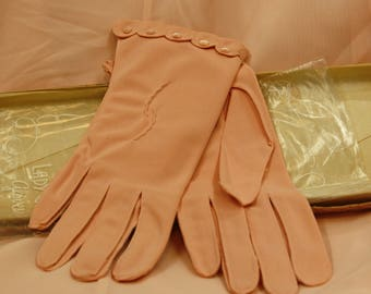 1950's pink scalloped gloves