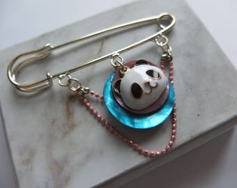 Brooch panda and mother of Pearl sequins (BchA01)