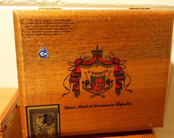nice small empty wooden cigar box with glossy look handmade in Dominican Republic by Arturo Fuente & Wooden cigar box | Etsy Aboutintivar.Com