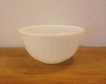 Anchor Hocking Fire King Small Mixing Bowl White Swirl