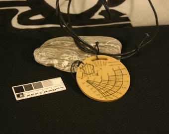 Solar compass dial with Pocket