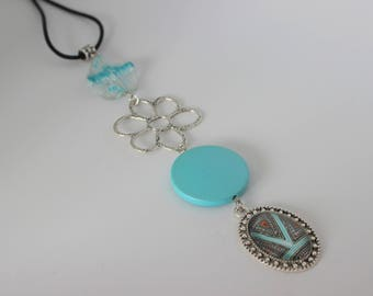 Original vertical necklace in turquoise acrylic, Silver flower and cabochon turquoise, multicolor.
