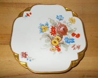 3 cake plates in elegant style