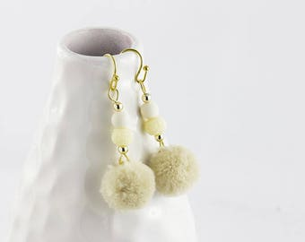 Earrings Pompom, Beige, gold