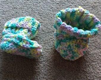 Multicoloured cotton booties